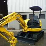Komatsu After panel &refinish